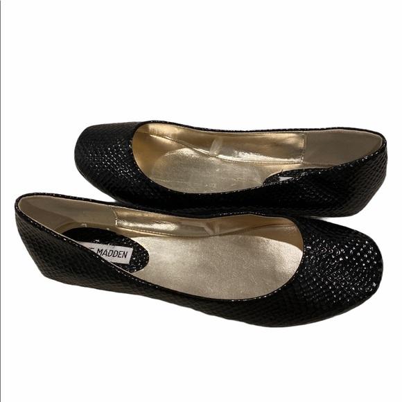 Steve Madden P-MOLLE  flat black shoes